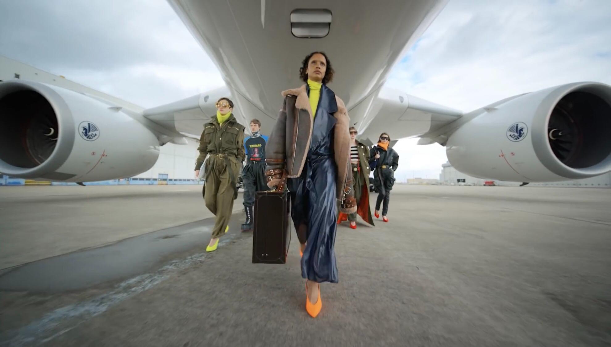 Et si nous voyagions dans le temps avec la Fashion Week automne-hiver 2021-2022 ?